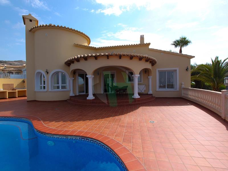 Villa in Cumbre Del Sol