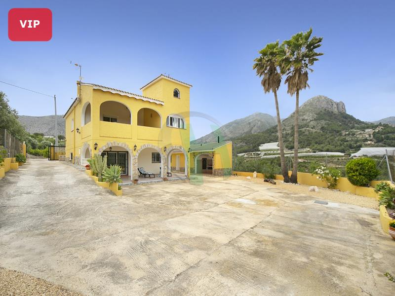 Villa in Bolulla