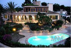 4 bedroom Vila for sale in Denia